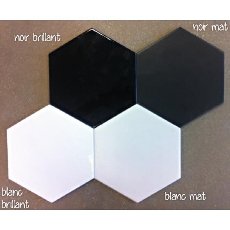 carrelage hexagonal noir mat livraison. Black Bedroom Furniture Sets. Home Design Ideas