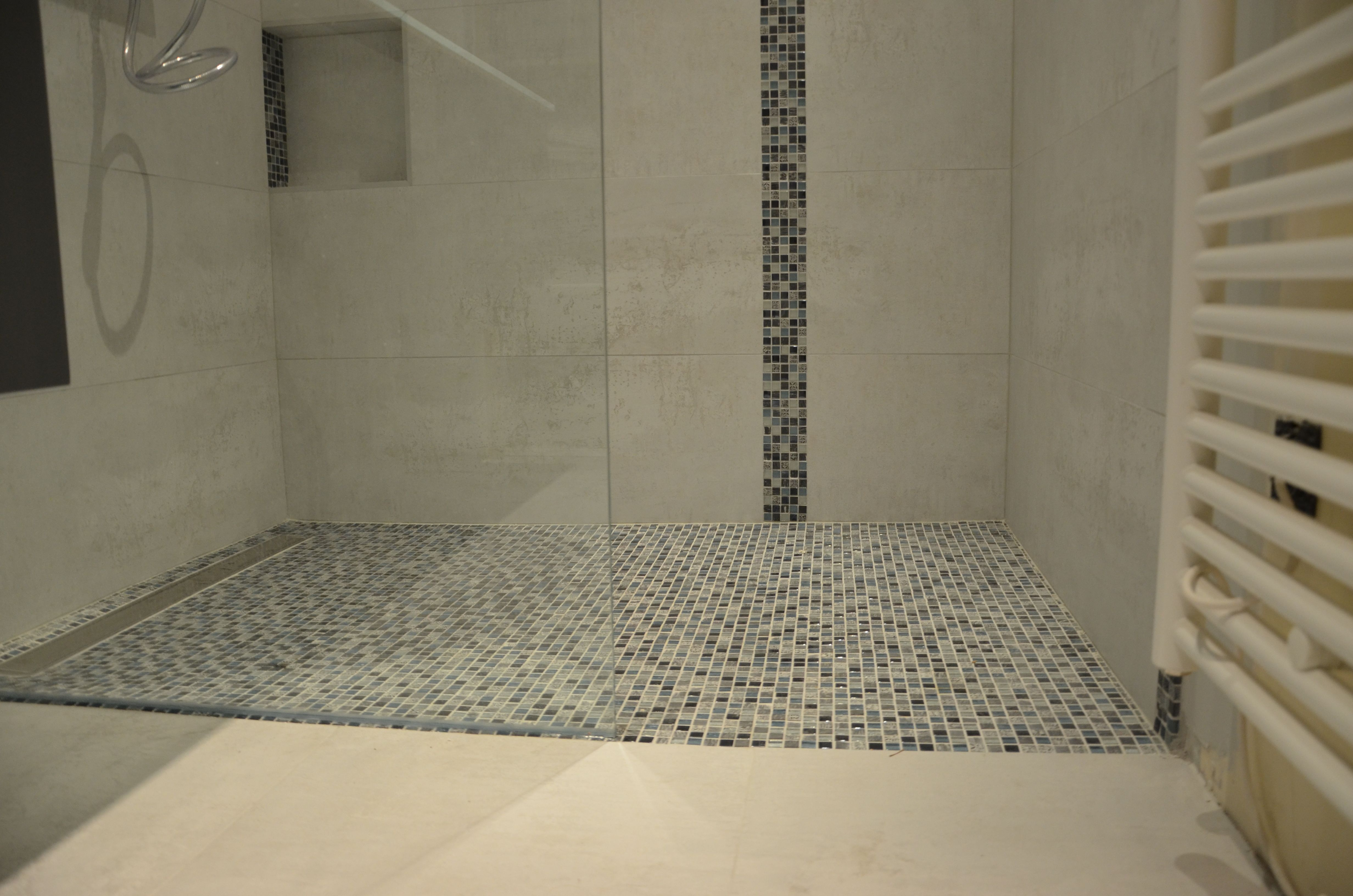 Carrelage mosaique pour douche a l'italienne