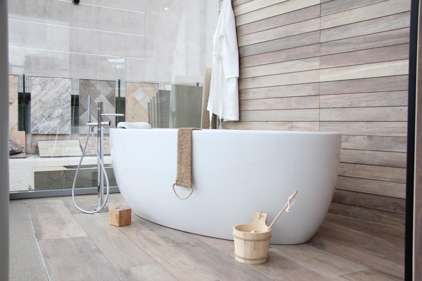 Carrelage autour baignoire - livraison-clenbuterol.fr