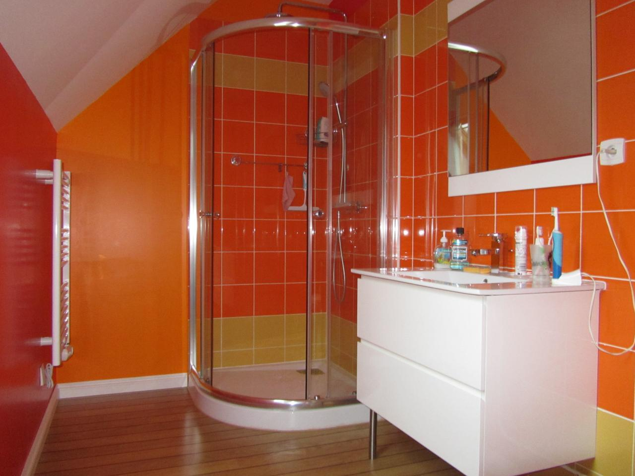 Salle De Bain Orange Et Vert
