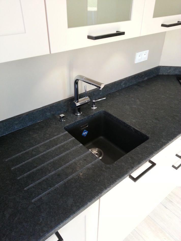 plan de travail en quartz ou en granit livraison. Black Bedroom Furniture Sets. Home Design Ideas
