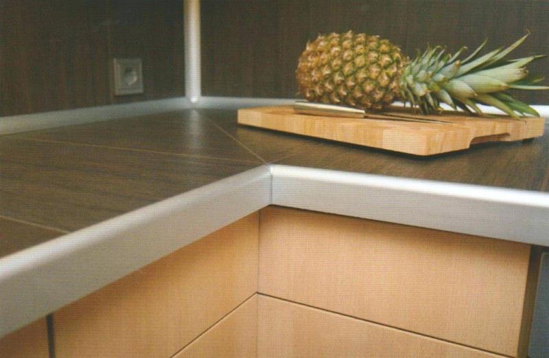 finition plan de travail 28mm livraison. Black Bedroom Furniture Sets. Home Design Ideas