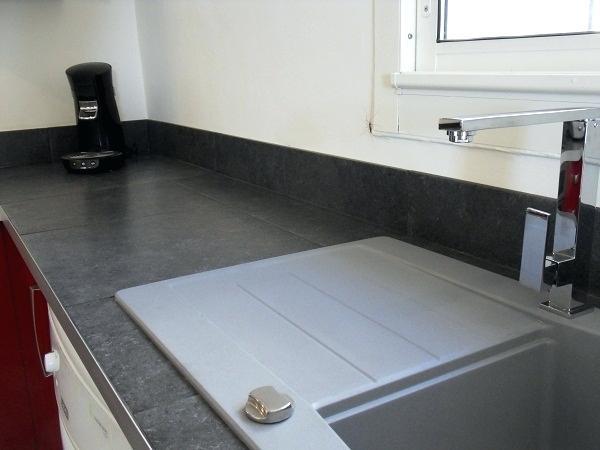 plan de travail carrelage grand carreaux livraison. Black Bedroom Furniture Sets. Home Design Ideas