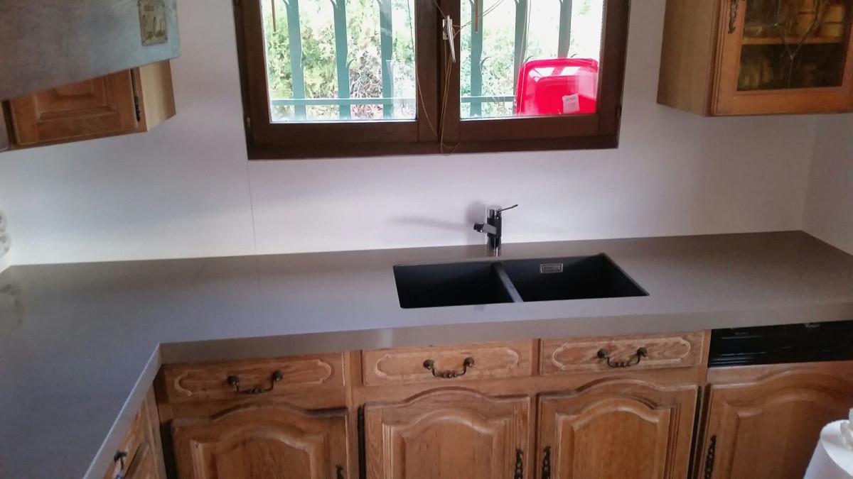 changer le plan de travail de la cuisine livraison. Black Bedroom Furniture Sets. Home Design Ideas