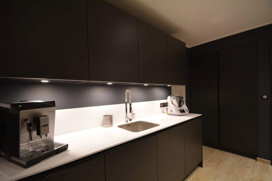 plan de travail leroy merlin noir mat livraison. Black Bedroom Furniture Sets. Home Design Ideas