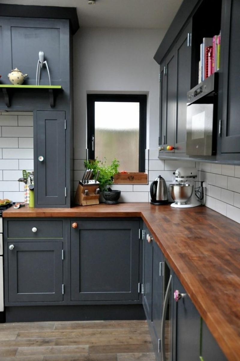 Cuisine rouge avec plan de travail bois livraison - Cuisine bois gris clair ...