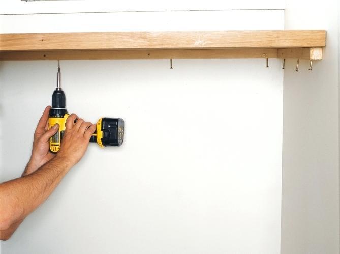 fixer un plan de travail contre un mur livraison. Black Bedroom Furniture Sets. Home Design Ideas