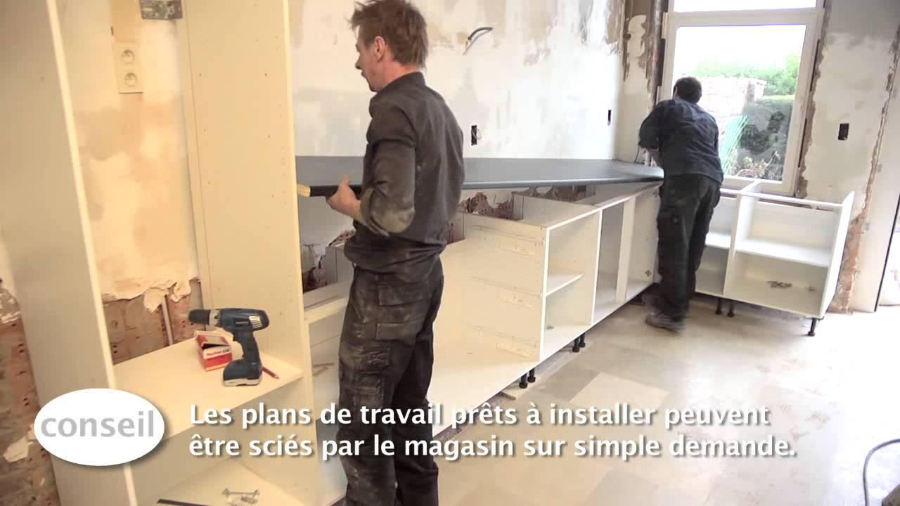 Comment fixer plan de travail sur meuble ikea