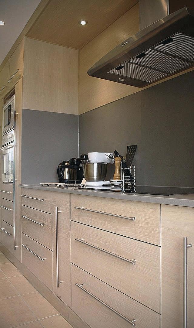 cuisine chene clair quel plan de travail livraison. Black Bedroom Furniture Sets. Home Design Ideas