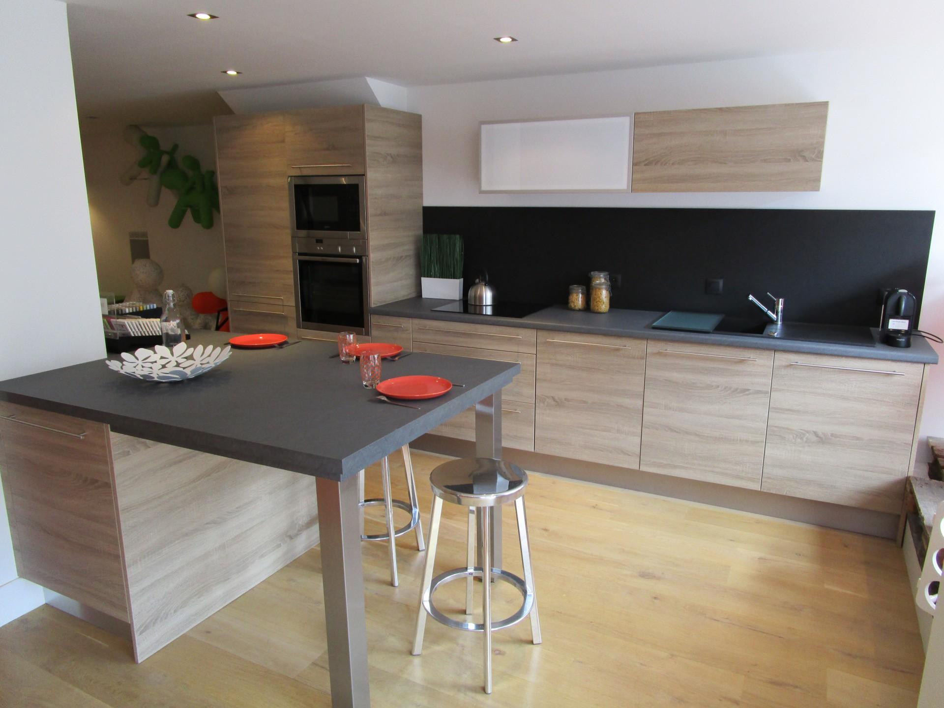 plan de travail bar dimension livraison. Black Bedroom Furniture Sets. Home Design Ideas