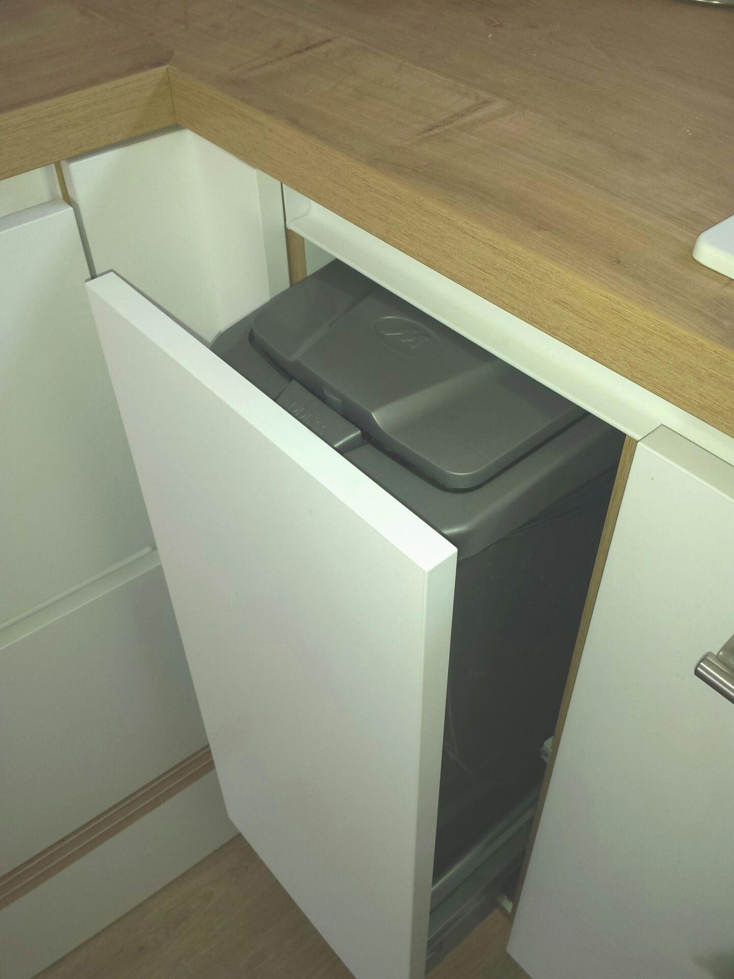 Prise electrique plan de travail cuisine ikea livraison - Poubelle cuisine encastrable dans plan de travail ...