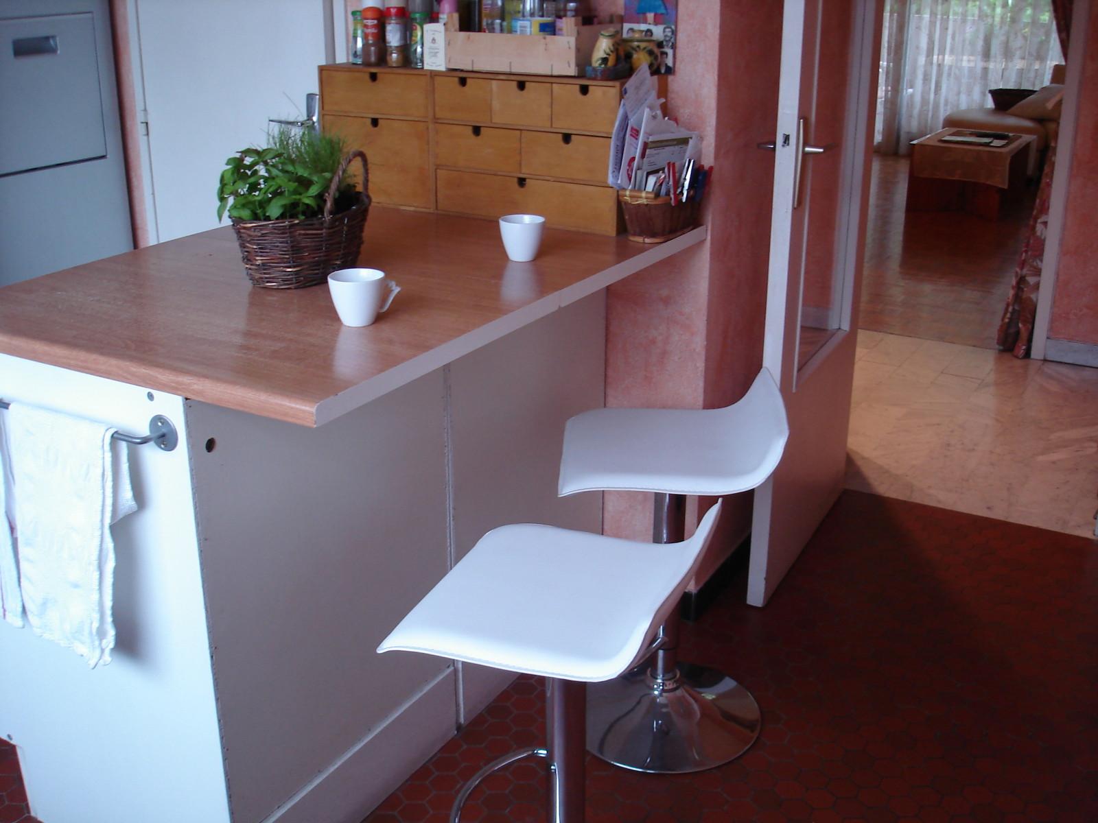 largeur plan de travail pour bar livraison. Black Bedroom Furniture Sets. Home Design Ideas